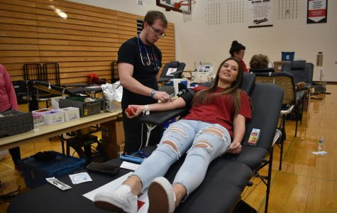Sophomore Shallen Brannum prepares to donate blood. Donors get around one pint of blood drawn.