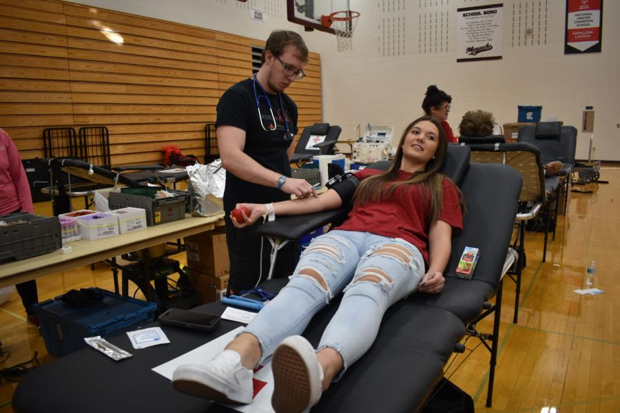 Sophomore+Shallen+Brannum+prepares+to+donate+blood.+Donors+get+around+one+pint+of+blood+drawn.